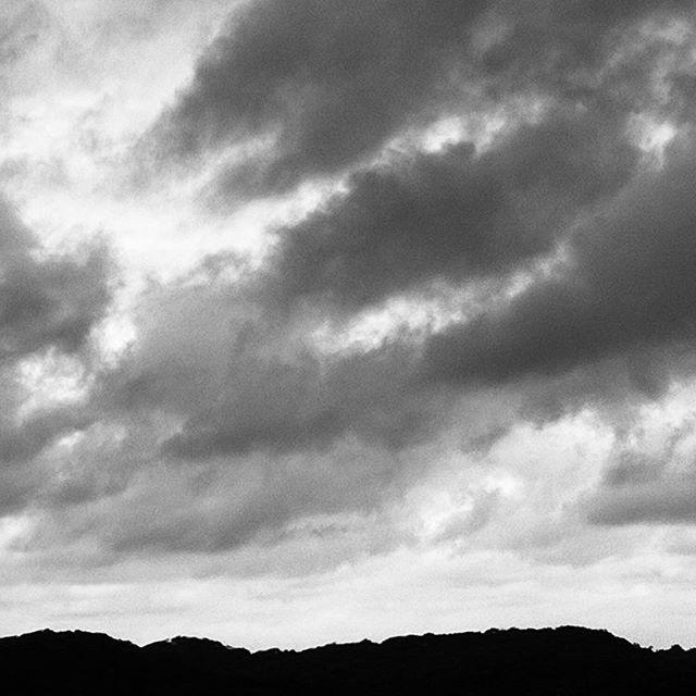 Rainy day #clouds #seasons #themtharhills